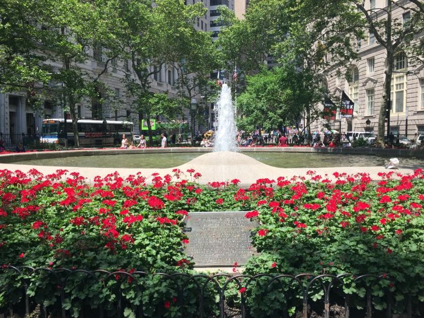 Bowling Green foi o primeiro parque público de Nova York, construído em 1933