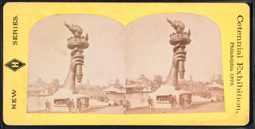 Braço direito da Estátua da Liberdade, exibido no Centennial Exposition, em 1876
