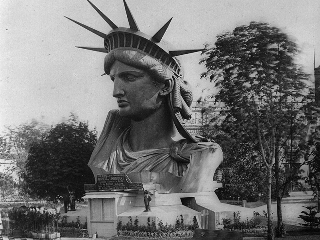Cabeça da Estátua da Liberdade, exibida na Paris World's Fair, em 1878