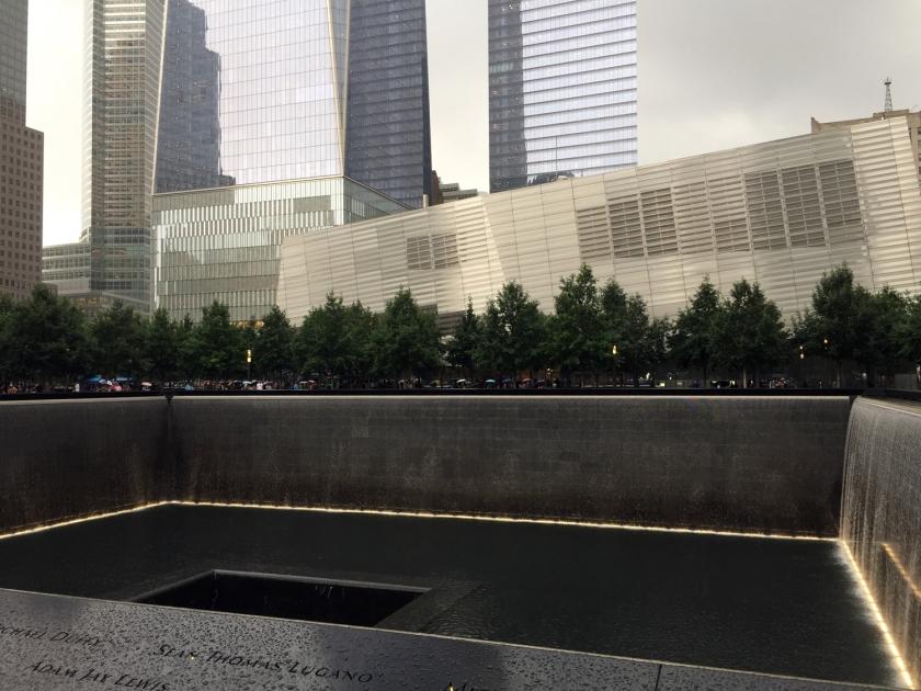 9/11 Memorial - Relecting Abscence e 9/11 Memorial Museum