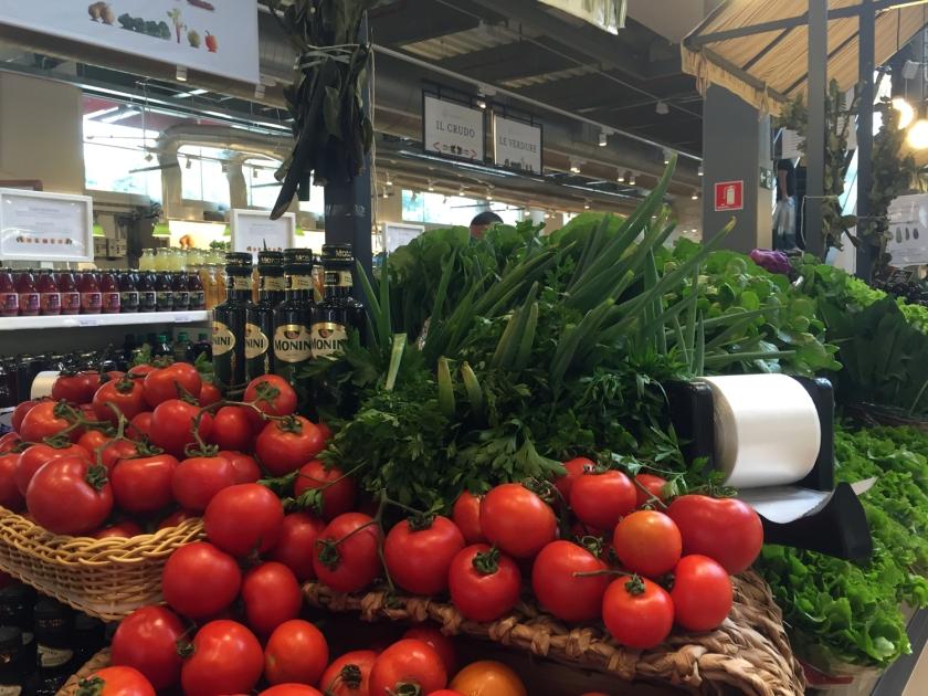 Mercado com produtos selecionados no Eataly