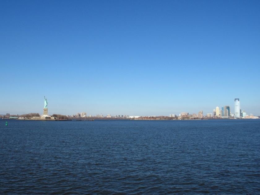 Estátua da Liberdade e sul de Manhattan vistos da Staten Island Ferry