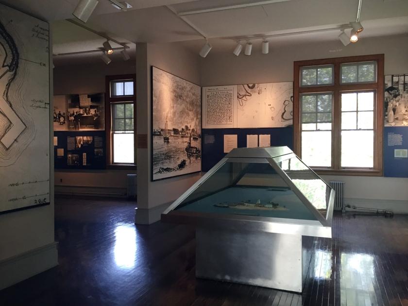 Exposição sobre o centro de imigração que funcionou em Ellis Island