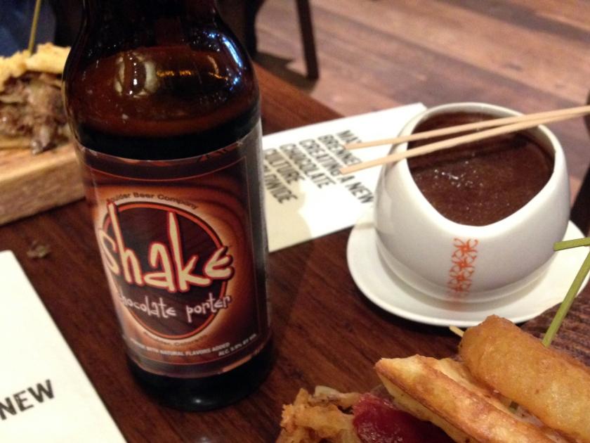 Cerveja de chocolate e chocolate quente
