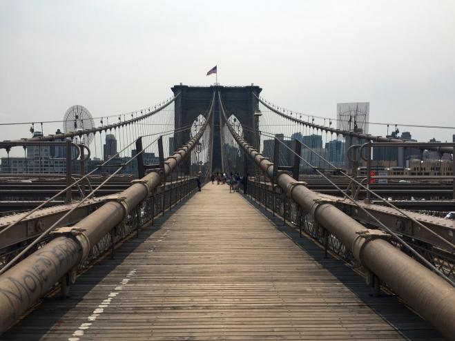 A arquitetura neo-gótica da Brooklyn Bridge