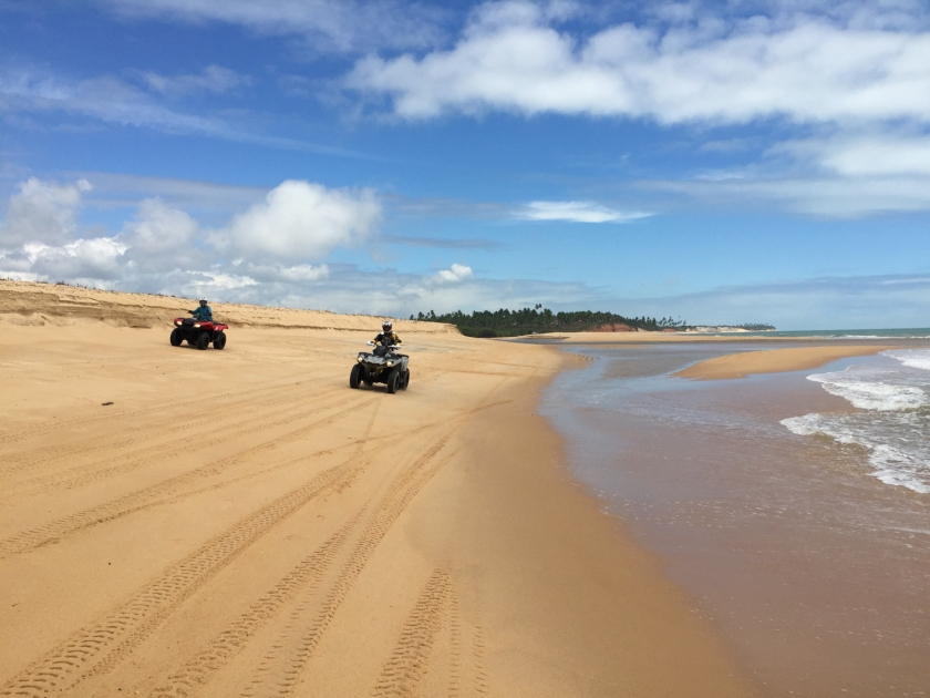 Passeio de buggy na Barra do Cahy