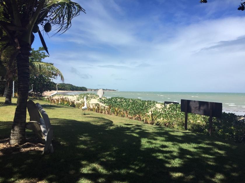 Praia em frente à Barraca Três Coqueiros