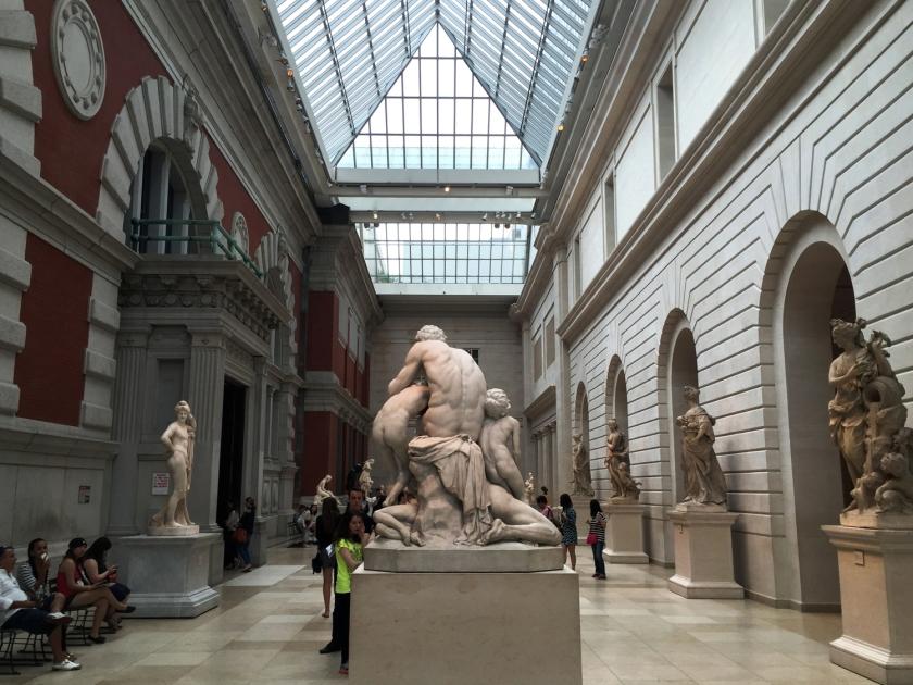 Esculturas expostas no Met