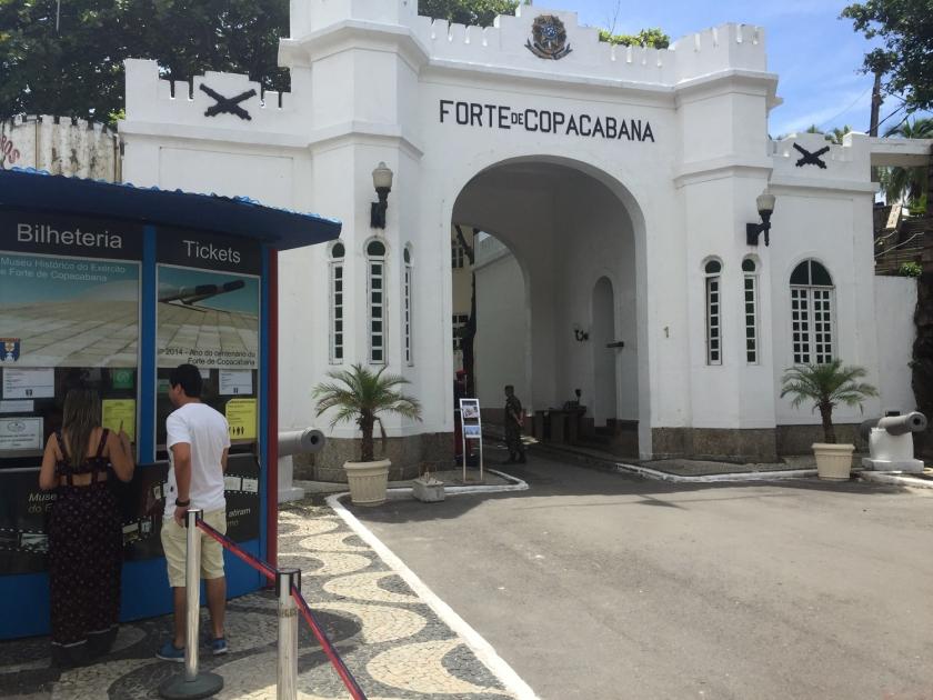 Bilheteria e portal de entrada do Forte de Copacabana