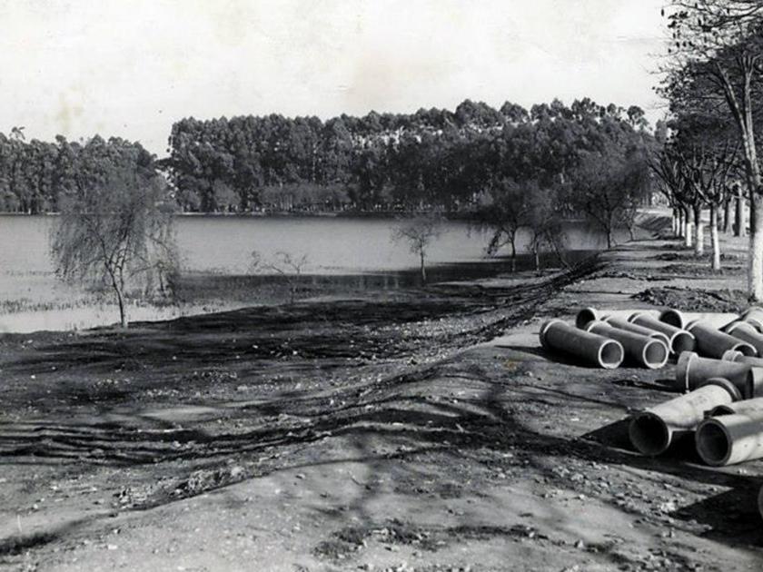 Construção do lago, em 1952