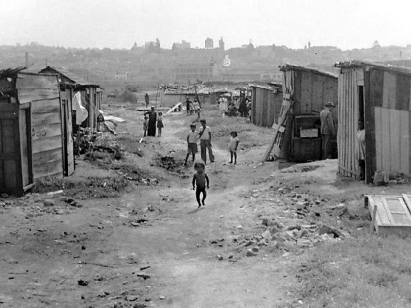 Favela que ocupava o espaço do parque, em 1950 | Foto: Sebastião Assis Pereira