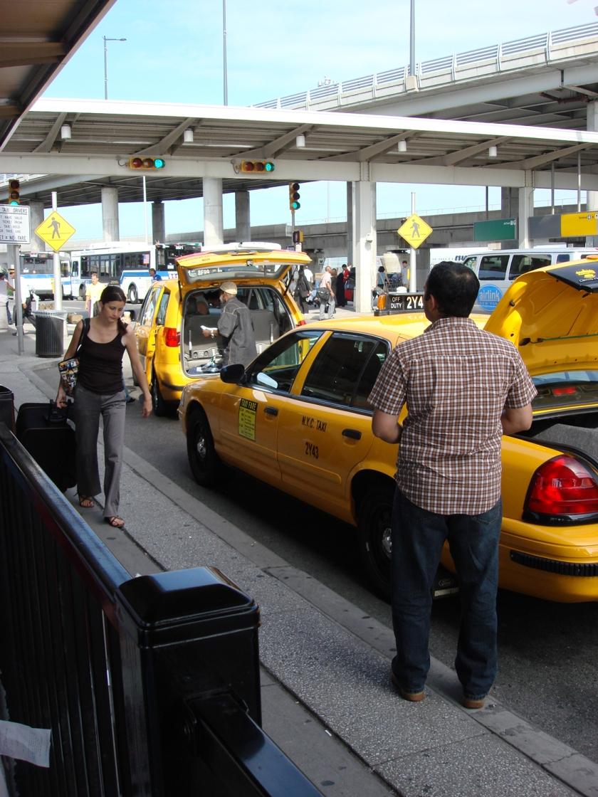 Taxis no JFK | Foto: Sergio Calleja