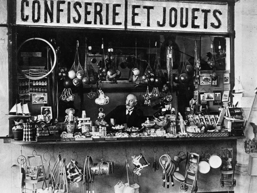 Loja de brinquedos e doces na estação de Montparnasse