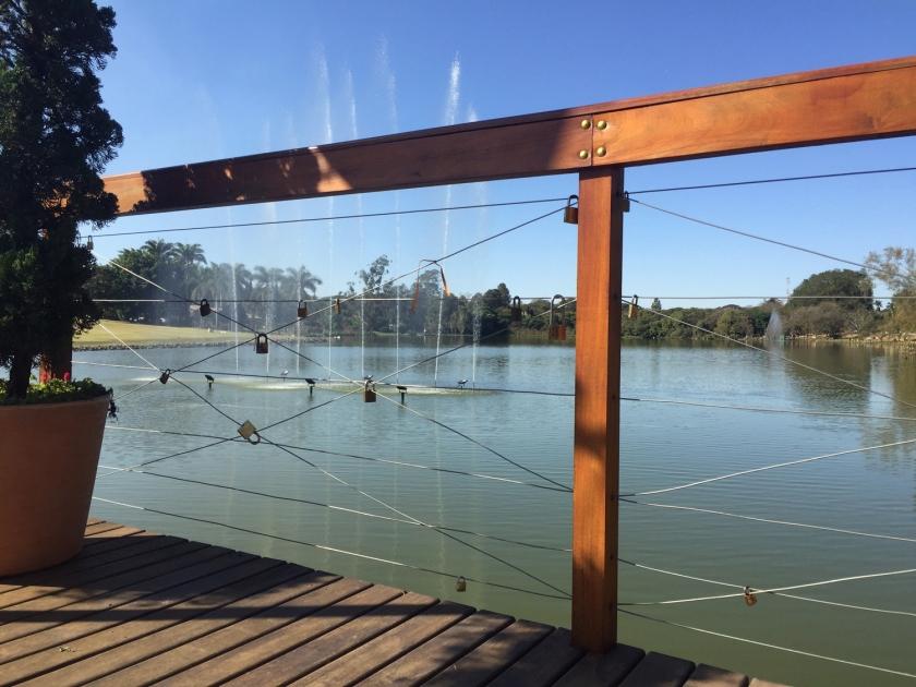 Deck do Amor no Lago Vitória Régia