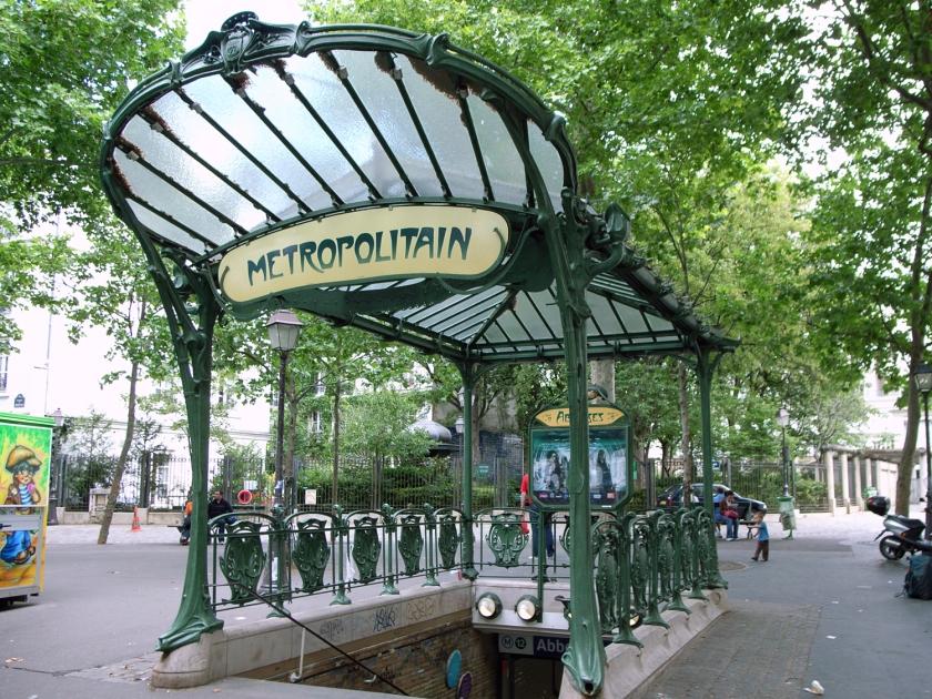 Entrada da estação de metrô de Paris | Foto: Steve Cadman