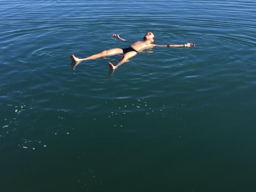 Boiando na lagoa salgada