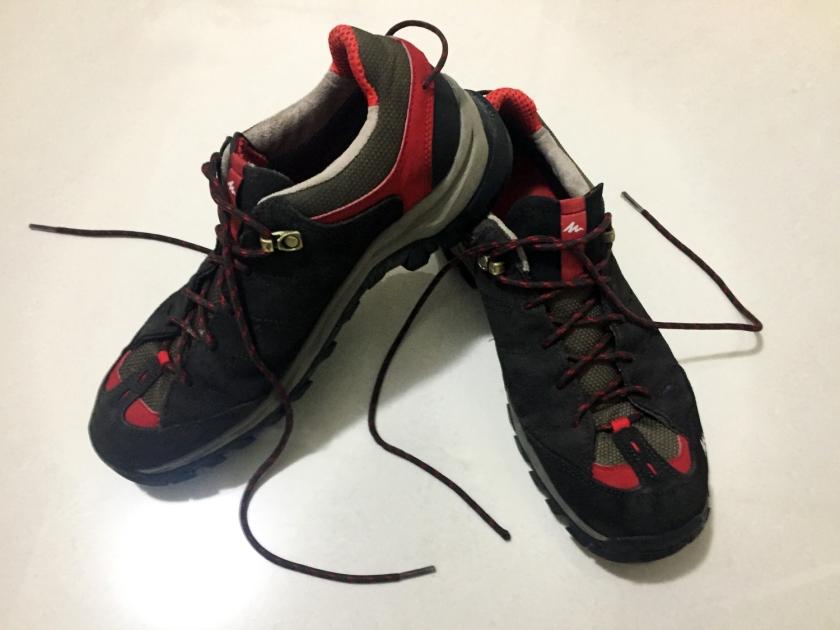 Tênis próprio para caminhada
