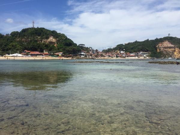 A vila vista da ilha