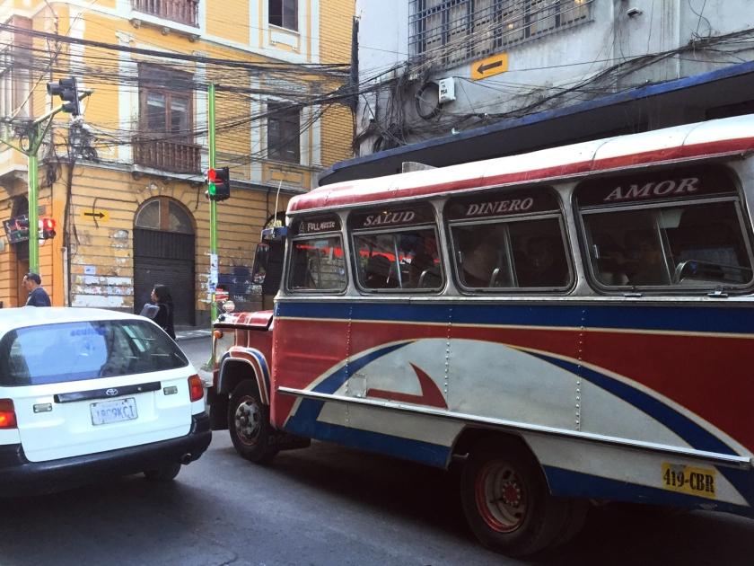 Ônibus no centro de La Paz