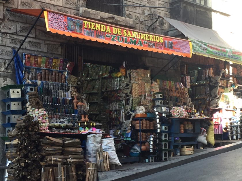 Algumas das lojas do mercado