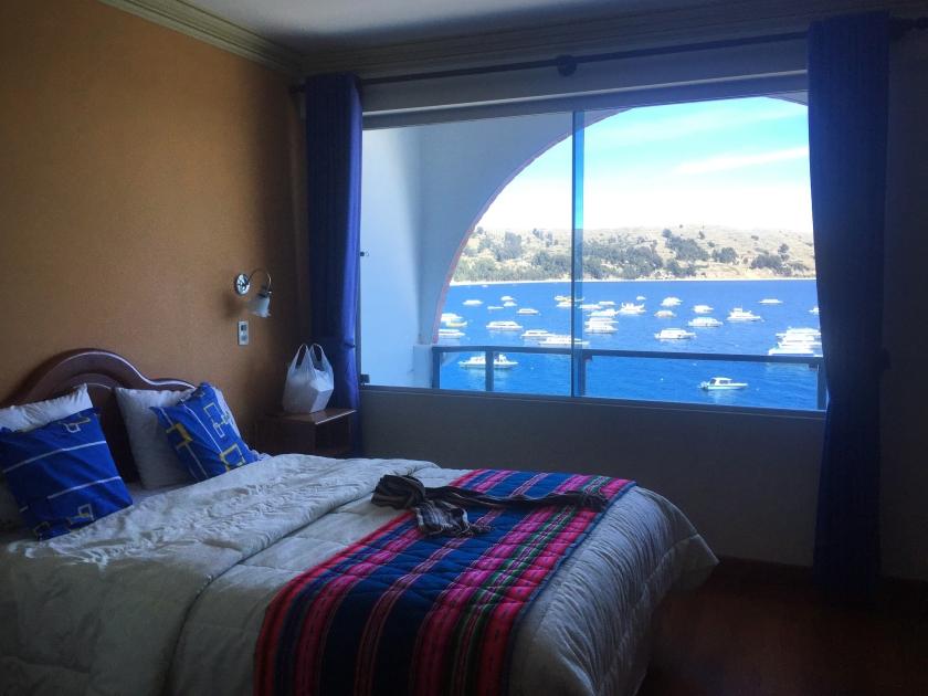 Quarto com varanda e vista para o Titicaca