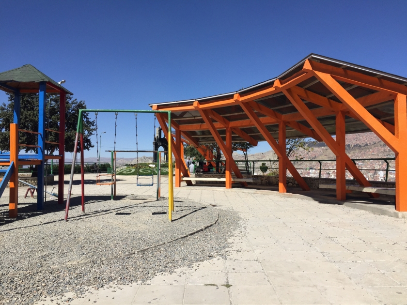Playground e arquibancada