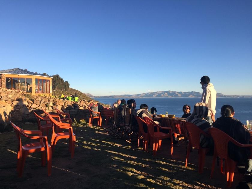 Terraço com vista para o Lago Titicaca