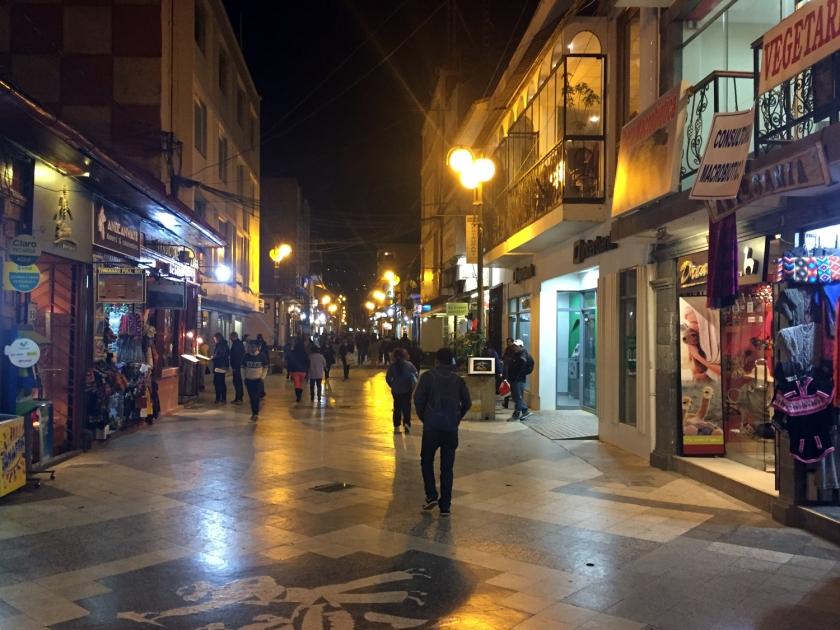 Quarteirões fechados da Calle Jr. Lima
