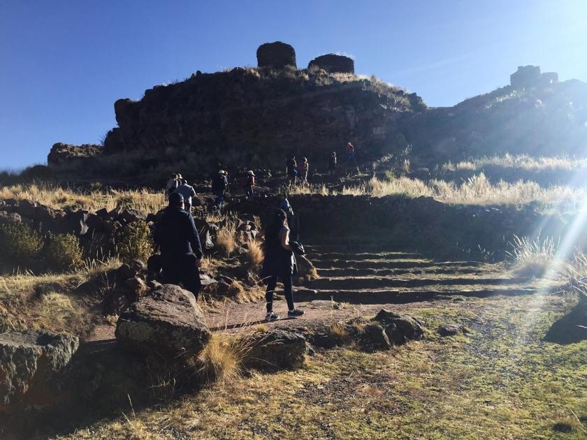 Subida para o sítio arqueológico