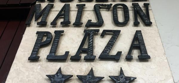 Hostal Maison Plaza