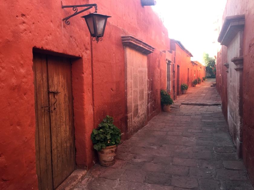 Uma das ruas do monastério