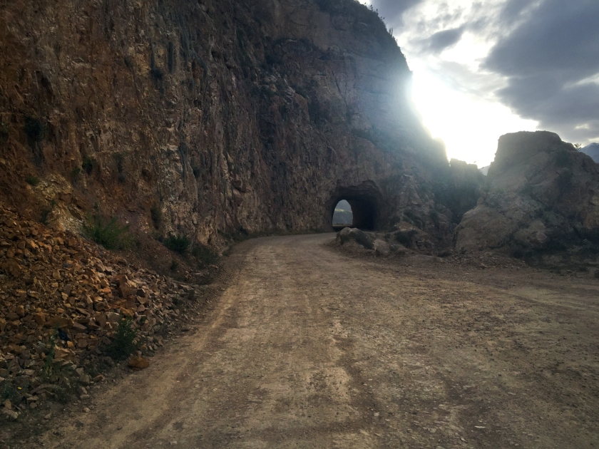 Túnel na estrada