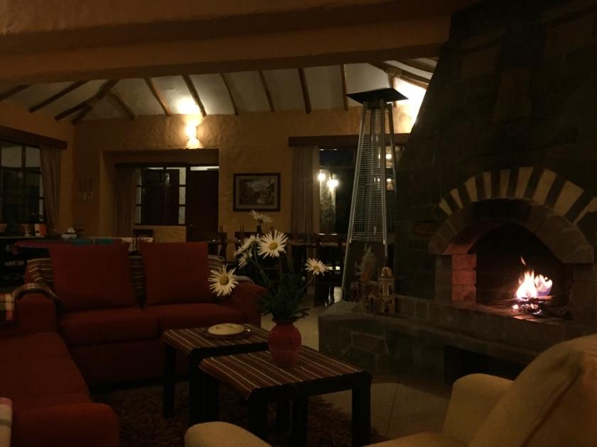 Sala de estar, jantar e bar