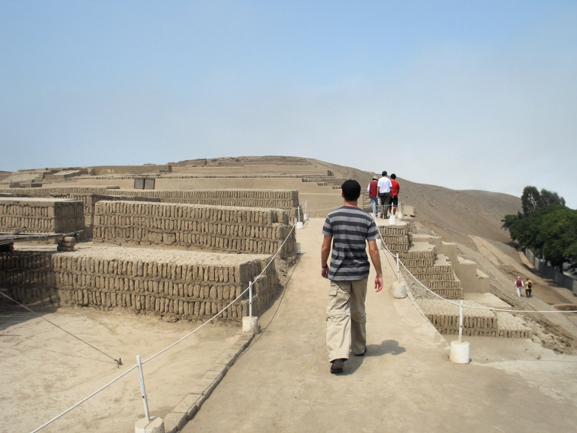 Caminhada pela pirâmide