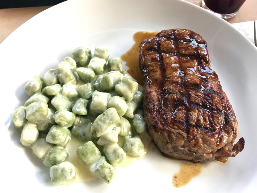 Beef ancho com gnhocci