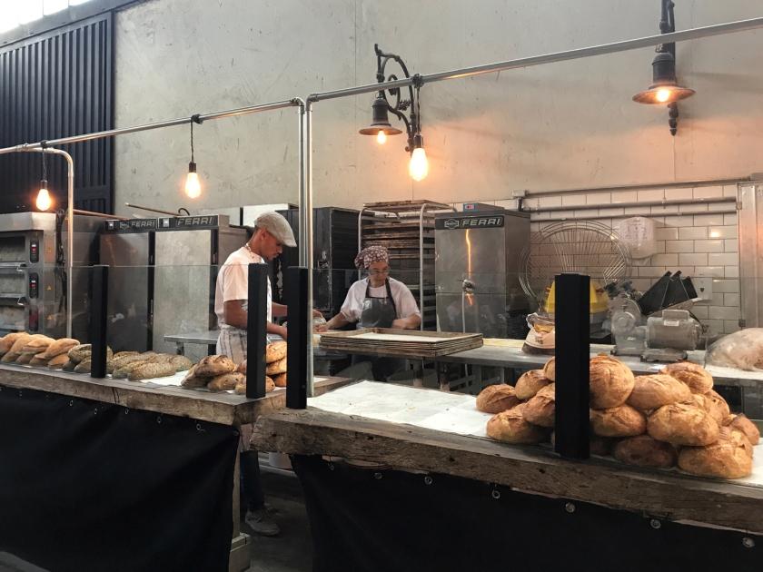 Pães artesanais e massa fresca