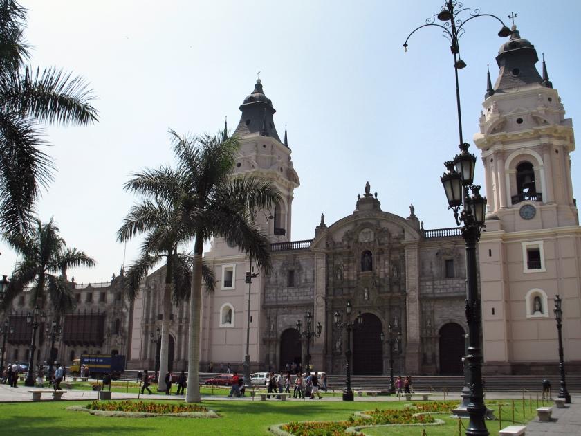 Catedral, paróquia e Palacio Arzobispal