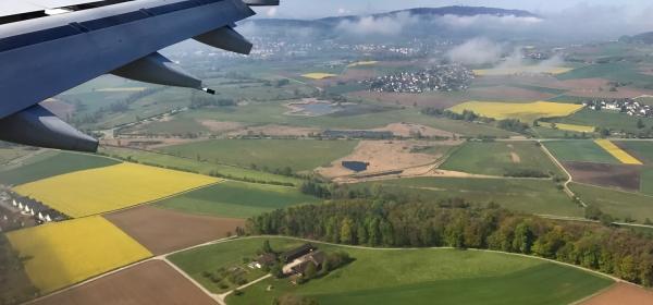 Vista do avião na Suíça