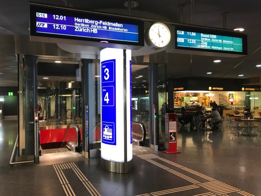 Acesso às plataformas dos trens