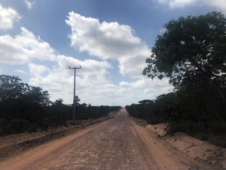 Estrada de terra até o povoado de Cardosa