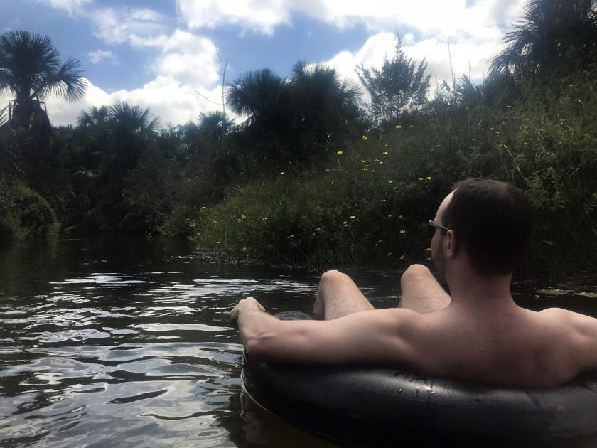 Flutuação no rio Formiga
