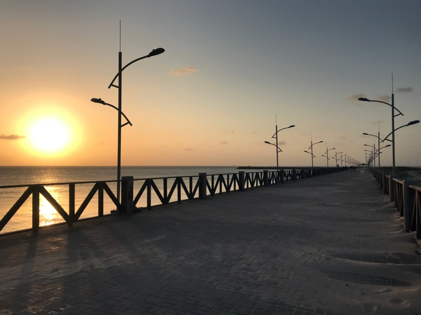 Pôr-do-sol no mar