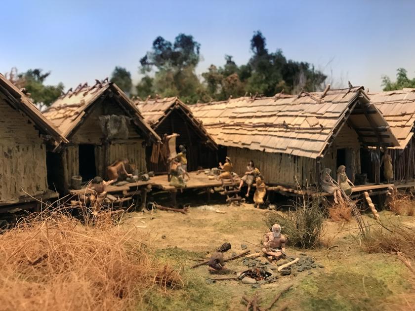 Casas de palafitas do período Neolítico