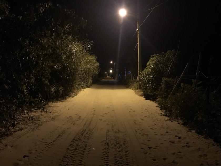 Rua que vai da pousada até o rio