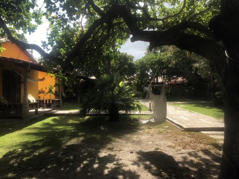 Jardim e chalé