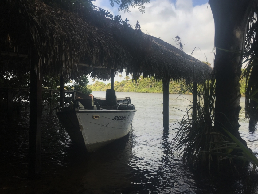 Acesso ao rio nos fundos da propriedade