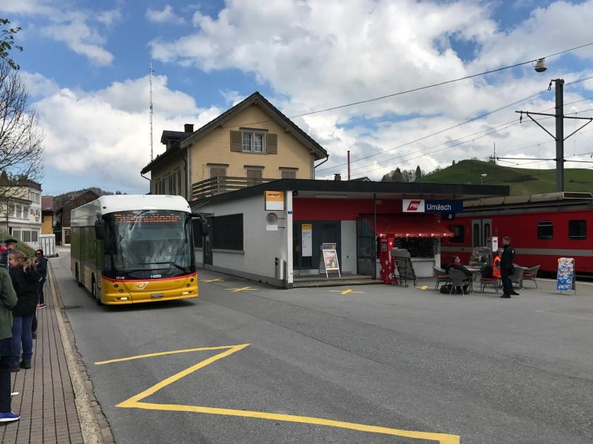 Ônibus na estação de Urnäsch