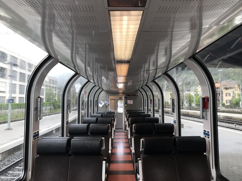 Disposição dos assentos na segunda classe