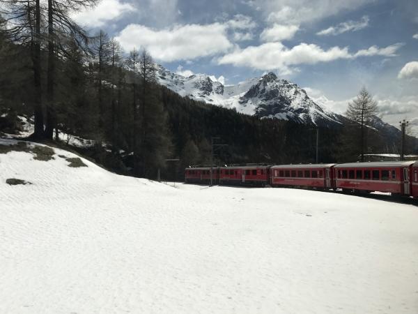 Trem panorâmico do Bernina Express