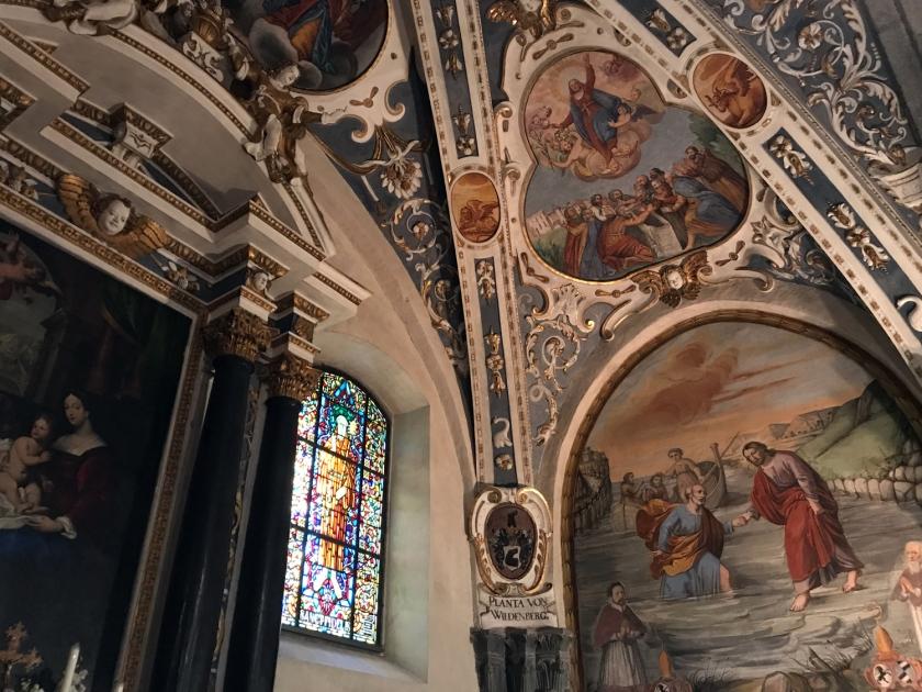 Pinturas e vitrais da catedral